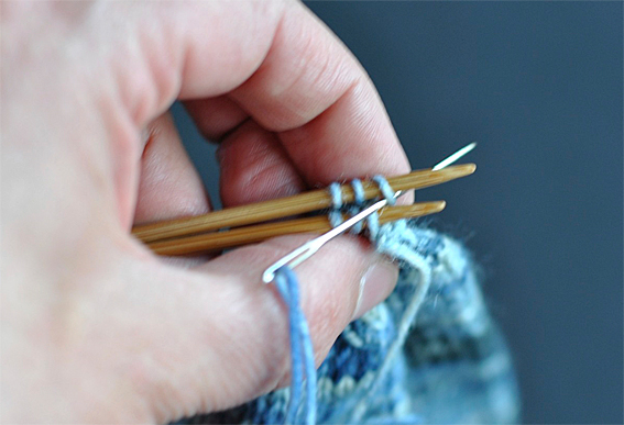 Grafting Stitches When Knitting : Graft your Sock Toe with Kitchener Stitch - Knitting Squirrel