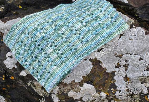 Aqua-Ripples-Cowl-Mitts-2web