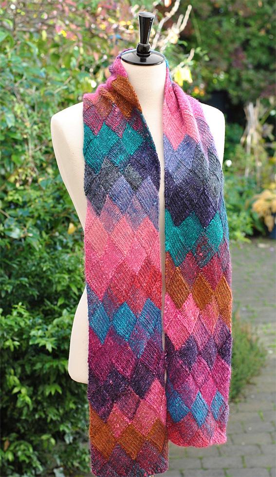 Knitting Pattern For Entrelac Shawl : Entrelac Scarf - Knitting Squirrel
