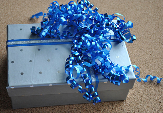 Gift-Wrapping-10web
