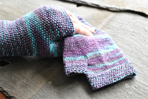 Knitting Increases For Thumb Gusset : Moss stitch fingerless mittens