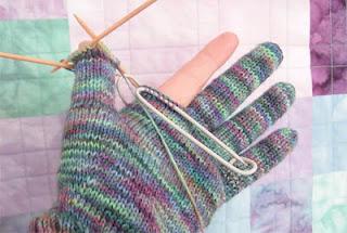 Revisit-Araucania-Gloves-3web