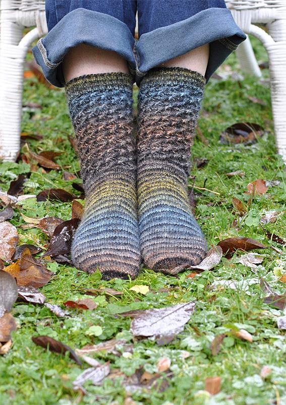Lang-Swirl-Socks-3web