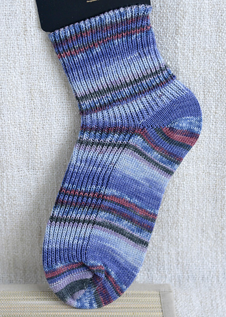 Opal Gallery 8887 Blue Whale in the Red Sea Sock