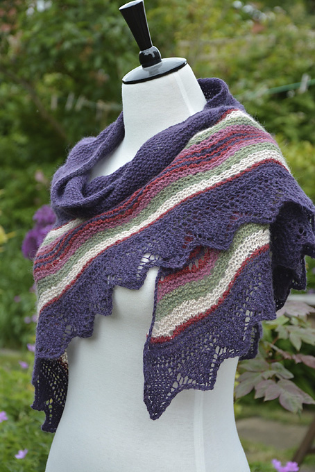 Knitted Flowers Free Patterns : Shetland Hap Shawl - Knitting Squirrel
