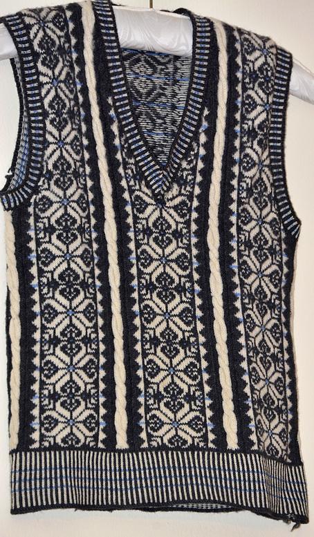 Fair-Isle-Vertical-Stripes-Sweater-1