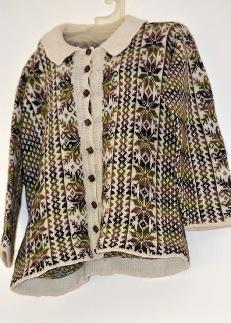 Fair-Isle-Vertical-Stripes-Sweater-4