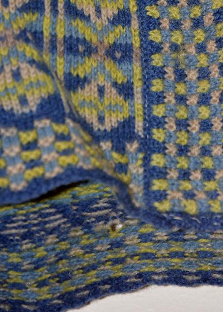 Fair-Isle-Vertical-Stripes-Sweater-5