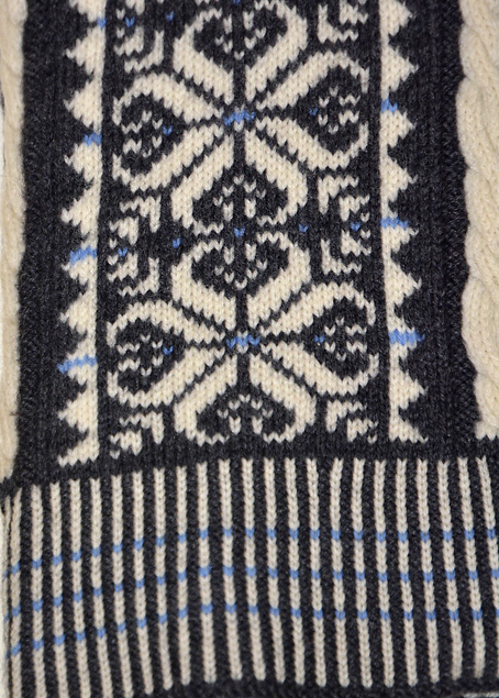 Fair-Isle-Vertical-Stripes-Sweater-6