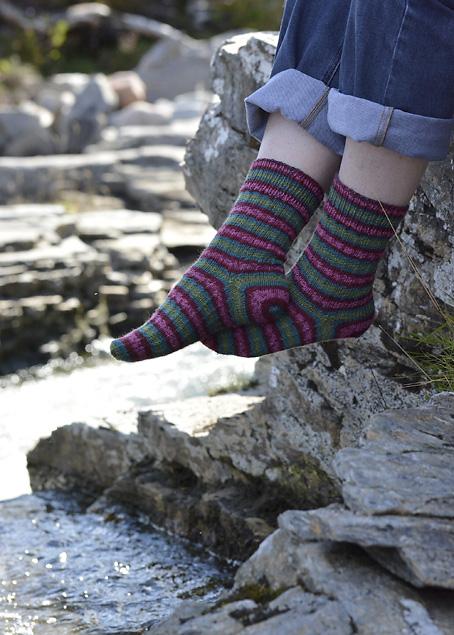 Slip Stitch Snowflake Socks 8