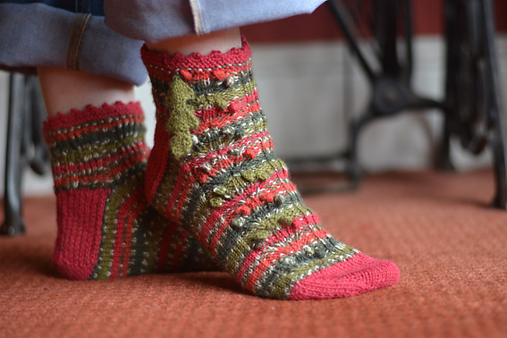 WYS Holly Berry Christmas Socks