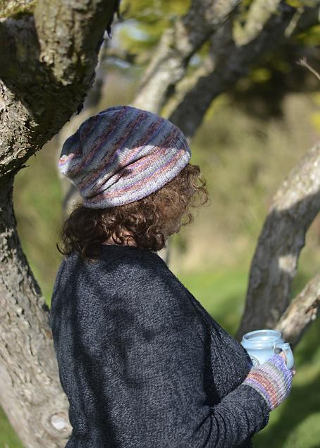 Opal Scafepate Hat & Fingerless Mitts