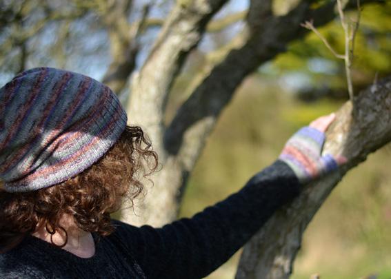 Opal Schafepate Hat & Fingerless Mitts