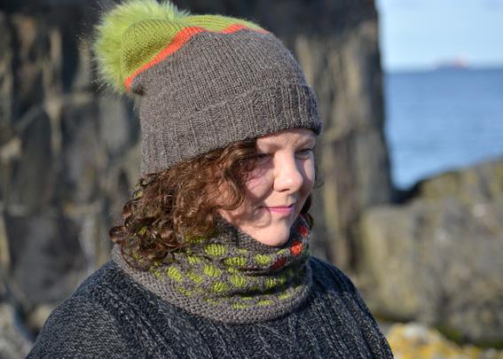 Buachaille Cochal Cowl & Colour Block Hat