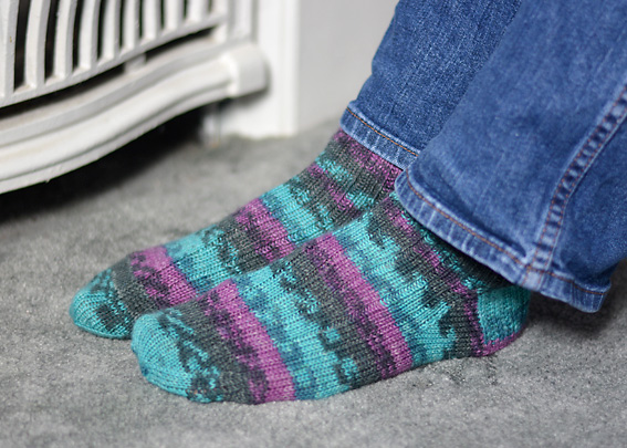 Opal Play 8824 k3 p1 rib socks