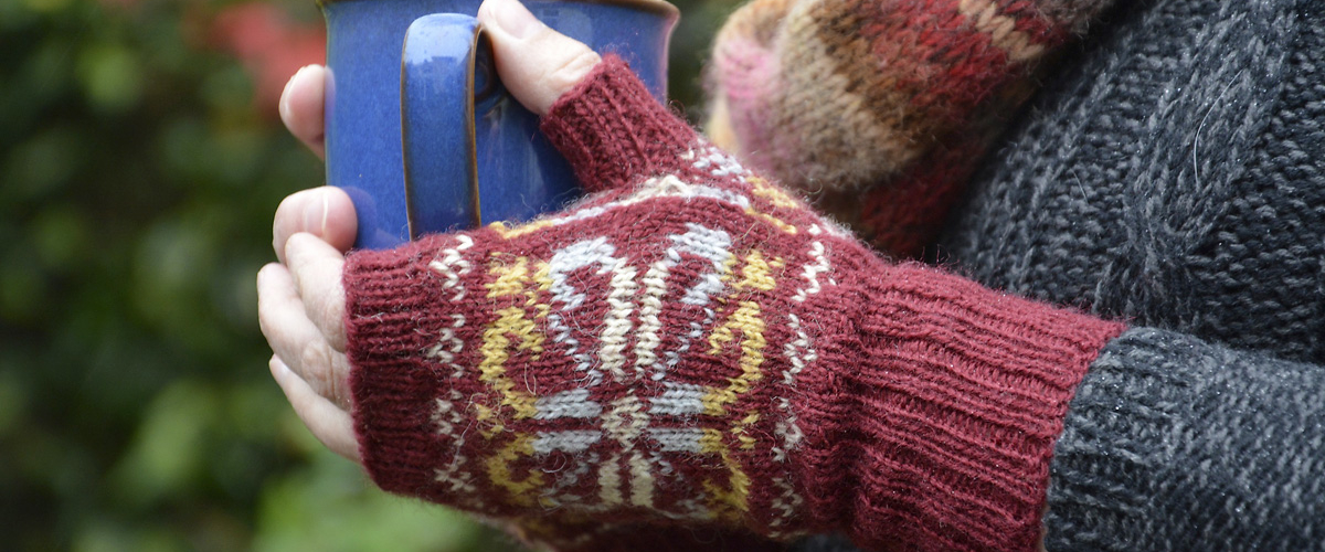 Red-Fair-Isle-Fingerless-Mitts